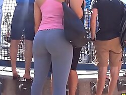 tight leggings on fit pawg