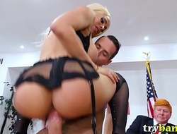 Luna Star Meets POTUS Cheeto McFuckface And Gets Fucked By Lady of the fourth estate