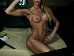 Skinny Athletic MILF On Webcam
