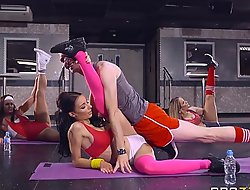 Brazzers - sophia laure acquires screwed at one's disposal yoga school